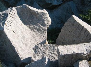 lavorazione-del-granito-arcipelago-toscano