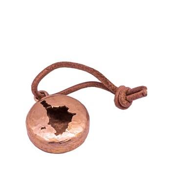 Dettaglio portachiavi in bronzo